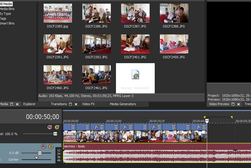 kita cut sesuai dengan panjang video untuk edit foto menjadi video di sony vegas