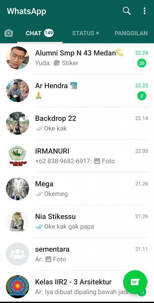 contoh-dari-whatsApp-web-yang-digunakan-melalui-komputer
