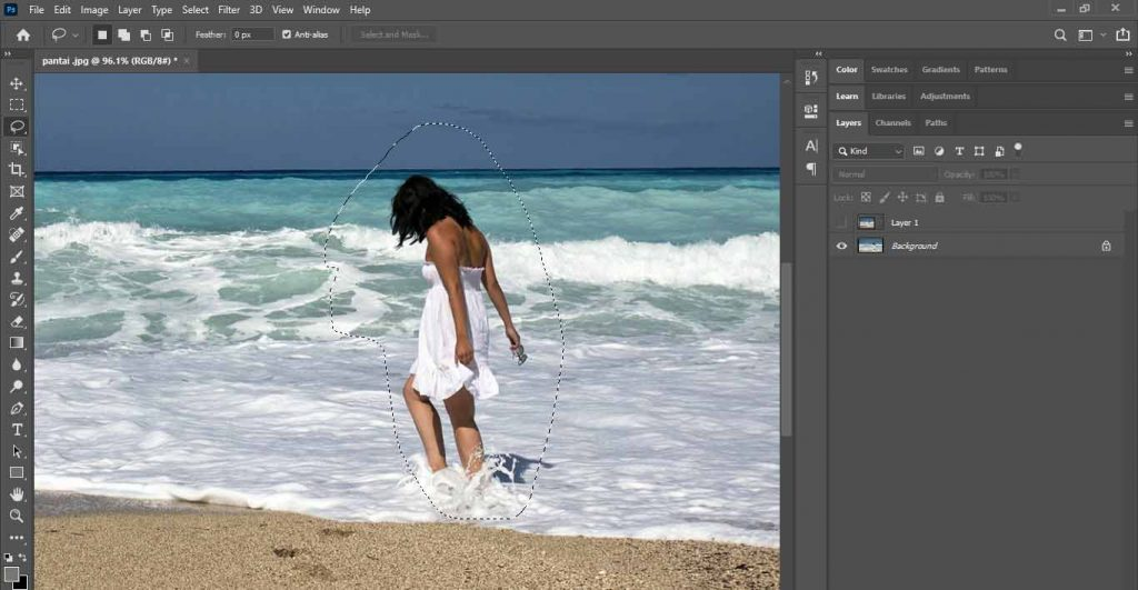 seleksi siwanita tersebut untuk cara menghapus objek di photoshop